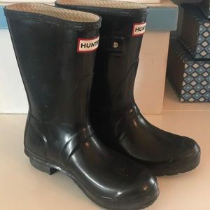 Hunter Black Rain Boots Size 6 Woman/ 5 Men's 🖤☂️